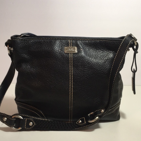 Black Leather The Sak Shoulder Bag. M 5a7883373800c56909e55adb. Other Bags  you may like d8409c98fe